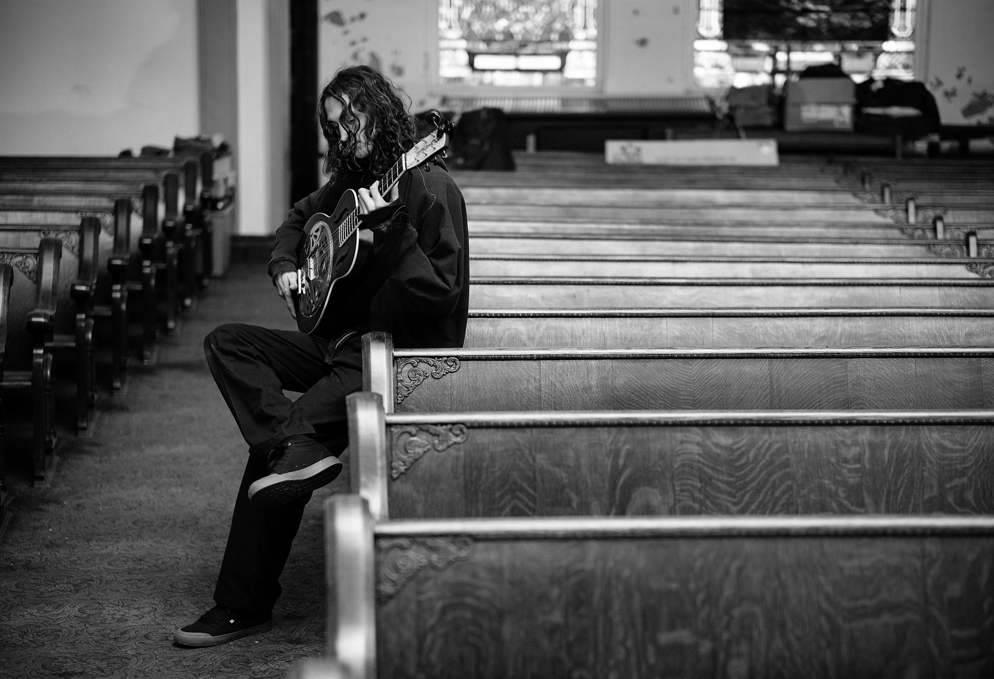 Evan Guitar Church blabacphoto L1007280 FB